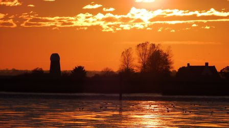 Sunset At Burgh Castle Credit: Wendy Keeley for iwitness24