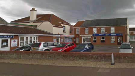 Plans to convert an empty office into a branch of a busy veterinary practice could be approved by a