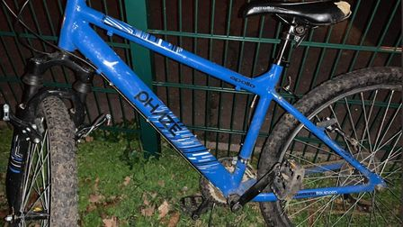 A blue Apollo Phaze bike was left behind after two bikes were stolen from teenagers near to a commun