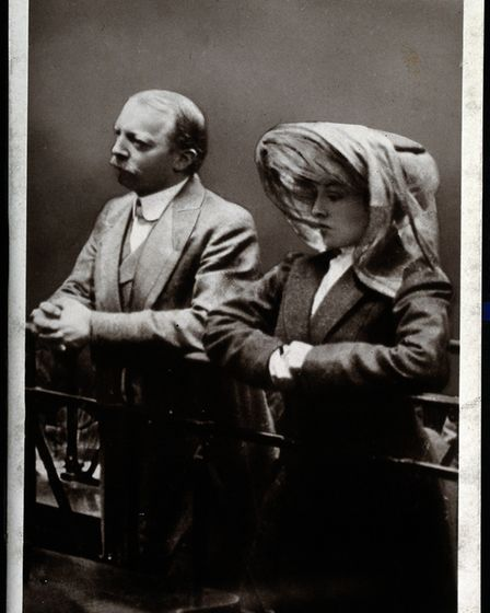 Dr Hawley Crippen and Ethel Le Neve in the dock in picture caprured in the Old Bailey in 1910 by Art