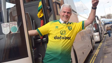 Canary Fans leave for the Norwich City v Tottenham game.Simonds Bus Driver, Dale EvansByline: Sonya