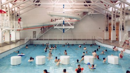 A multimillion pound project to replace a popular north Norfolk leisure centre has fallen behind sch