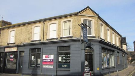 The former Coes Menswear store is marketed for lease via Steel & Co Commercial Property Services. Pi
