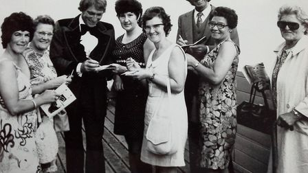 Singer Frank Ifield and comedian Ken Goodwin meeting the fans on the pier at Great Yarmouth. Recogni