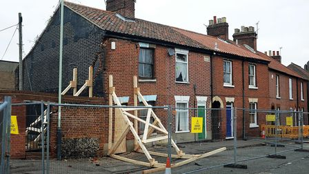 Collapsing end of terrace house in Finklegate, Norwich.; Photo: Bill Smith
