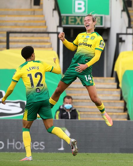 Todd Cantwell of Norwich celebrates scoring against the FA Cup quarter final against Manchester Unit