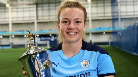 Lauren Hemp with her FA award Picture: PA