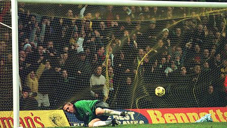 Yellow net during the NCFC v Portsmouth (2-1) match on 3 January 2000. Picture: Archant Library