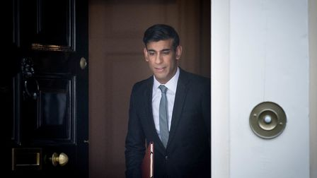 More than 30 medical experts have called on the government, including chancellor Rishi Sunak, to rec