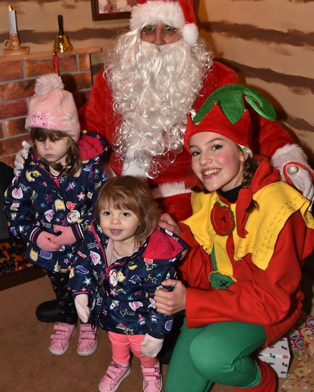 Dereham Christmas Light Switch On, 2017 Everlee and Macie meet Father Christmas.Byline: Sonya Duncan