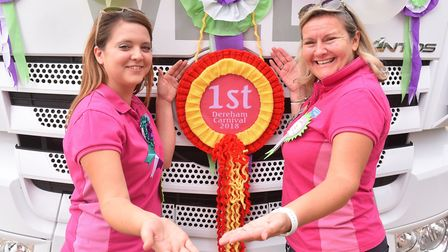 Aimee Southam and Donna Mays from Shipdham Guides and Brownies win First Prize at the Dereham Carniv
