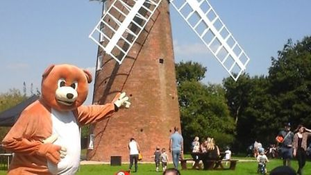 Charity teddy bear zipwire event with Edward the Bear. Pictured is Jamie and Max Schweigart with the