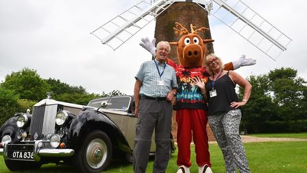 Former trustees Brian and Alison Webb with Biscuit the carnival mascot in 2018. Byline: Sonya Duncan