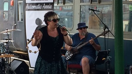 Dereham blues festival. Automatic Annie. Polymer 5. Crowds at the King's Head and at Mid Norfolk Rai