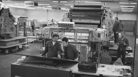 Fakenham Press last book being printed. pic taken 6th oct 1982 m94845-9a pic to be used in ed