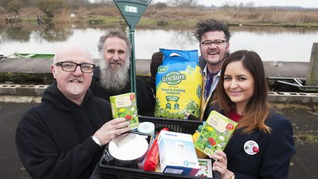 Eric Wareham, Graham Elliott, Yanny Mac from the Big Dog Ferry with Natalie Clement From Tescos. Th