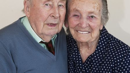 Platinum wedding couple George and Marjory Mace celebarte 70 years af marriage.