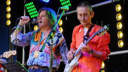 2015 CaLM Festival at The White Horse in Chedgrave. Penguins Go Pop performing.The Chedgrave and Lod