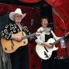 Country music duo Cardy and Coke will be performing at Beccles Public Hall.