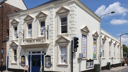 Simply Ballroom with the QE2 Band will be at Beccles Public Hall.
