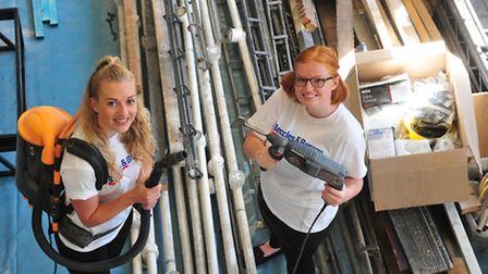 Amy Smith and Polly Grice from The Journal get ready to volunteer. PHOTO: Nick Butcher