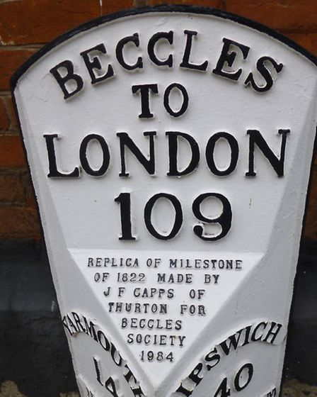Milestone gift given to Beccles Town by Beccles Society to celebrate the Elizabeth I Charter 400th A