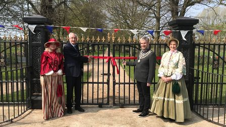 Graham Catchpole and mayor Richard Stubbings open The Avene. They are joined by members of Helping H