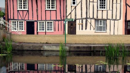 Houses along the river Colne