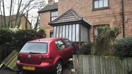 Car in front of house in Hintlesham