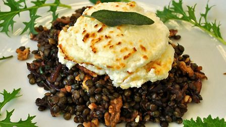 Goat's cheese and lentils