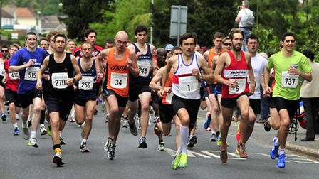 Aaron Scott (No.1) is already to the fore on his way to victory at the Woodbridge 10K. Eventual runn