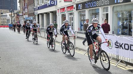 The grand finale of the 2013 Pearl Izumi Tour Series has kicked off in the town centre, with thousan
