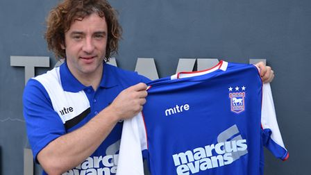 New Ipswich Town signing Stephen Hunt