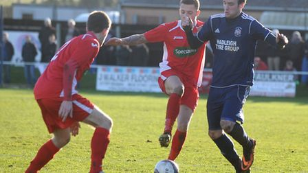 FA Vase action between Hadleigh (blue) and Wisbech (red), where the Fenmen progressed into the quart