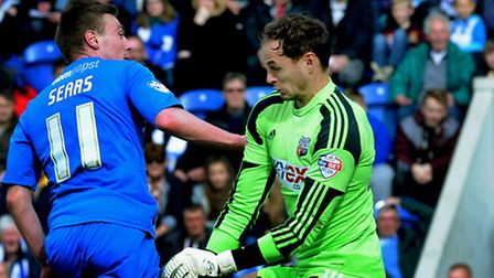 Freddie Sears beats Brentford keeper David Button for the fourth goal