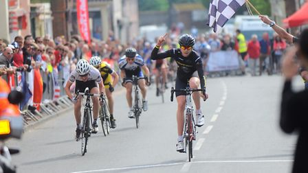 Pictures of annual Bank Holiday West Suffok Wheelers Criterium Races in Ixworth. Under 16 boy and gi
