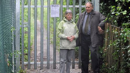 John Sayers and Mary Roberts are pictured at Footpath 11 in Sudbury which has been closed.