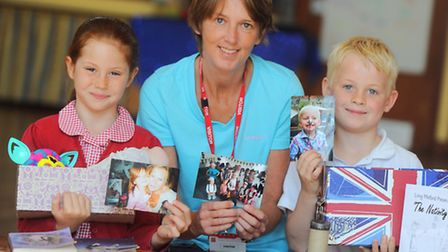 Children put together a memory box as part of link up with Alzheimer's Society, Long Melford Primary