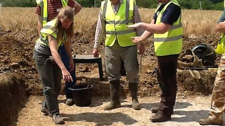 Stour Valley Community Archaeology's first excavation reveals tantalising clues at Bulmer site. Dr C