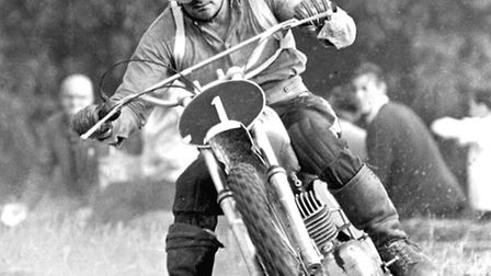 Dave Bickers in action at Hintlesham Hall in August 1967. Photo by Dave Kindred.