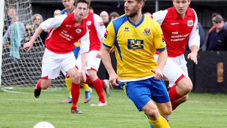 Former Ipswich Town player Scott Mitchell has moved from AFC Sudbury to Leiston