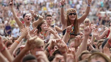 Government scientists are being sent to the V Festival to analyse samples of so-called legal highs a