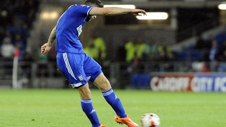 Daryl Murphy scores his first half goal at Cardiff