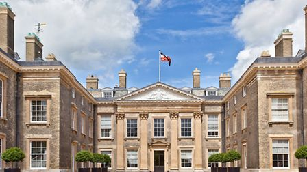 A private tour of Althorp House guided by Earl Spencer, followed by lunch (or tea) in one of Althorp