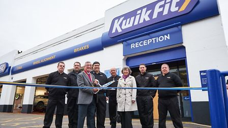 The Mayor of Colchester, Councillor John Elliot opens the reburbished Kwik Fit branch North Station