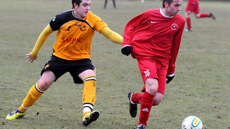 Sport REP - NG Gregg Brown 18/2/12 Mildenhall Town v Woodbridge Town. Left to right, David Coope