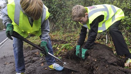 Year 8 students from Tendring Technology College cleared pathways near the railway station in Thorp