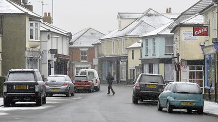 The snow coming down on High Street, Brightlingsea.