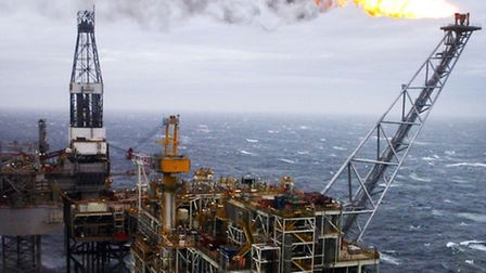 Unions and employers in the oil and gas industry are to meet to discuss the threat to jobs in the wa