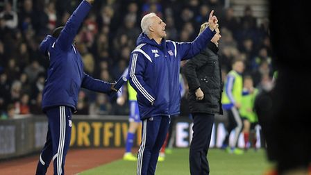 Mick McCarthy and Terry Connor marshal their team during the second half at Southampton